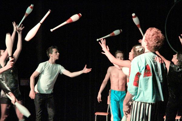 2013-11-22-jongleurs_cirque