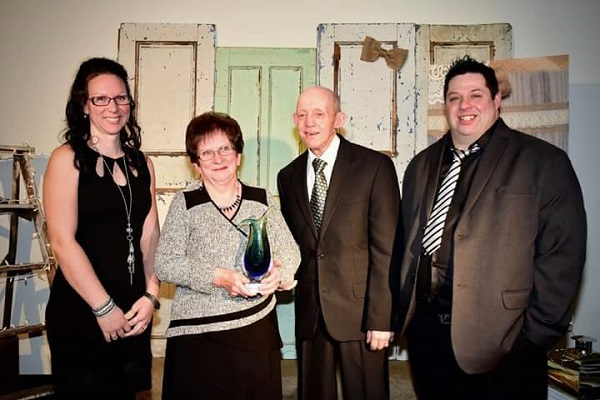 Gagnants dans la catégorie Famille Agricole : Ferme Bellevue du Lac senc. Lambton; Martine Richard, Denise Isabel, Yves Richard, Steve Lacroix